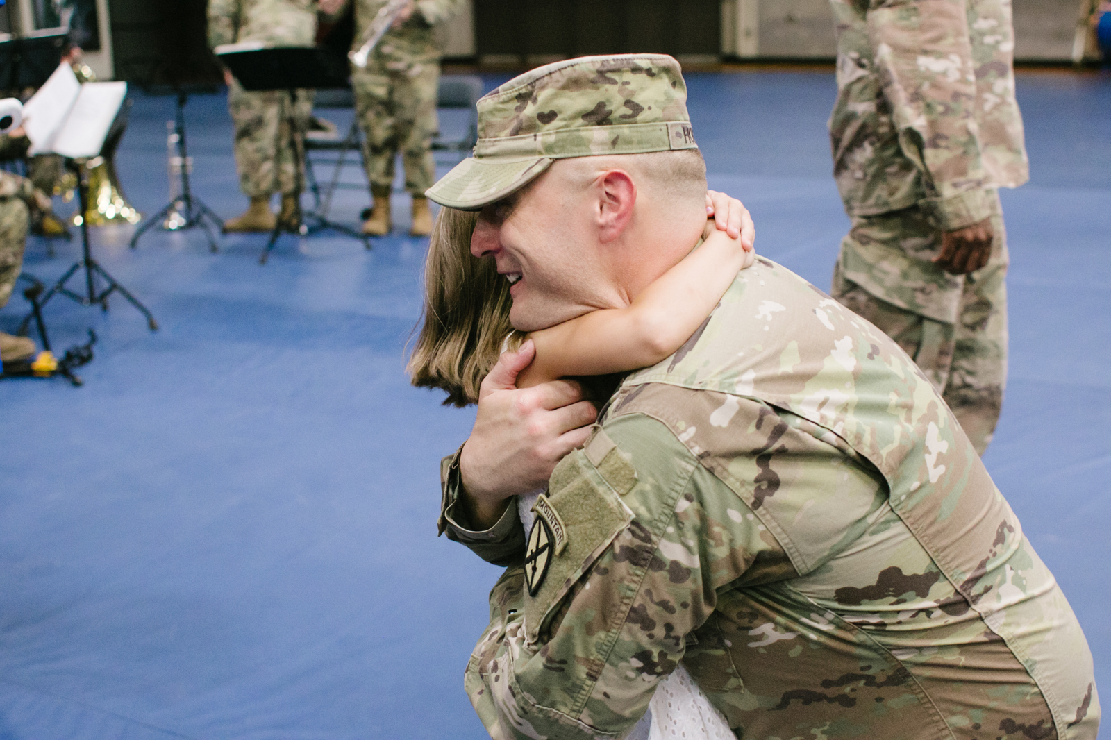 Fort Drum New York 10th Mountain Division Military Homecoming Family Portraits Sarah Lisle Photography